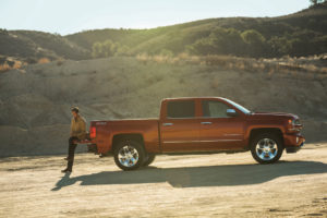 Silverado-in-vehicle-OnStar-4GLTE-Wi-Fi